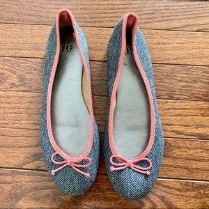 🍍 GAP grey ballet flats size 7